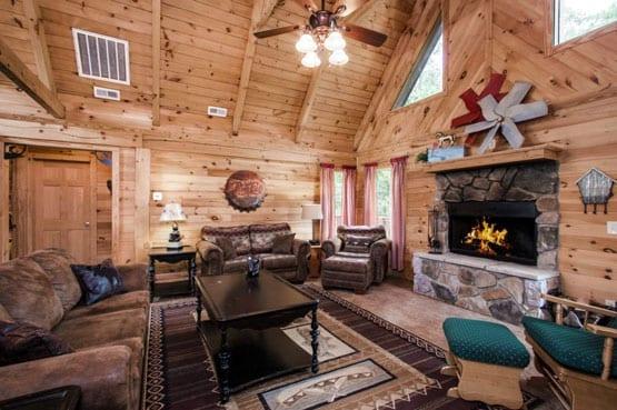 1 Vacation Log Cabins In Branson Mo Branson Cedars Resort